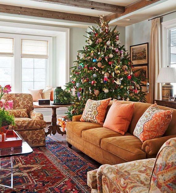 Minimalist Christmas Tree Ideas For Living Room Décor 14