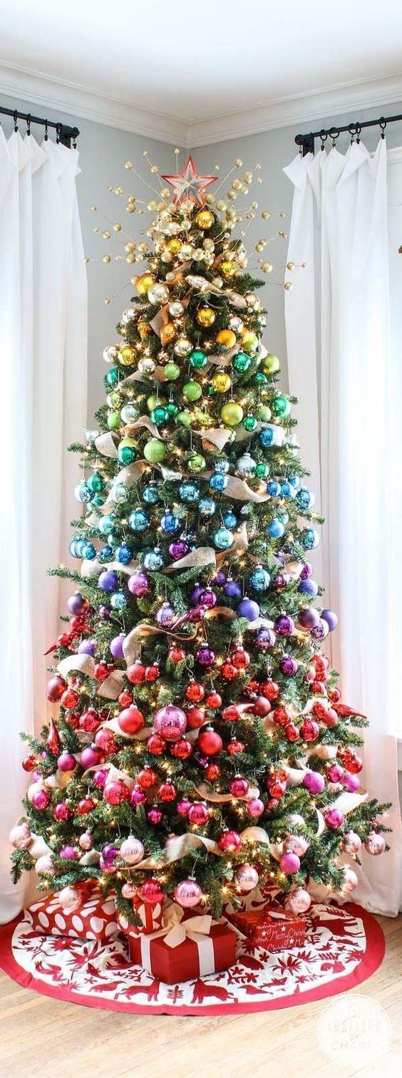 Minimalist Christmas Tree Ideas For Living Room Décor 33