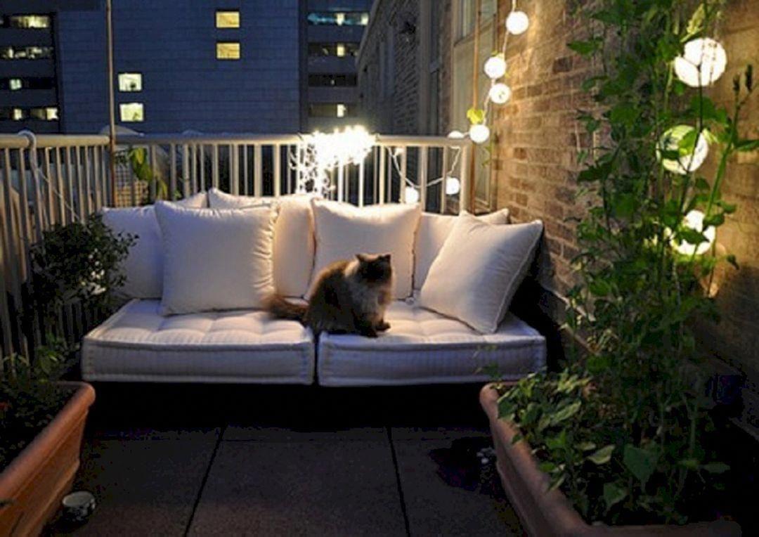 Popular Apartment Balcony For Christmas Décor Ideas 10
