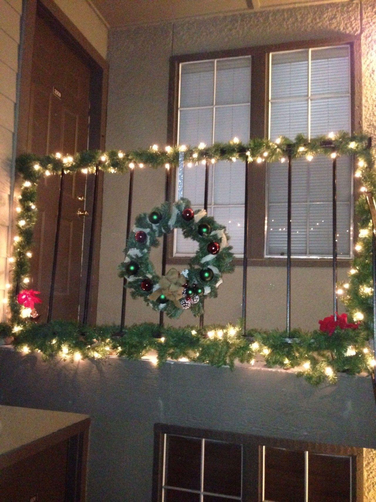 Popular Apartment Balcony For Christmas Décor Ideas 23