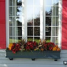 Pretty Colorful Winter Plants And Christmas For Frontyard Decoration Ideas 04