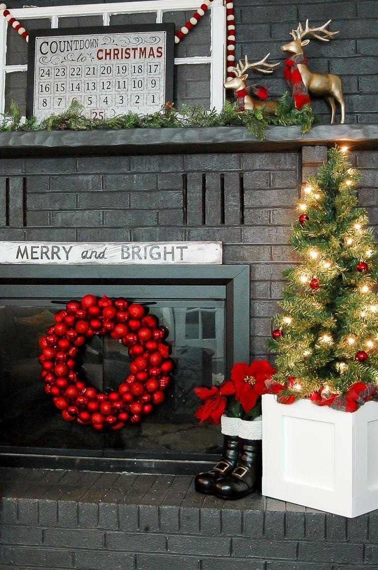 Stunning Fireplace Mantel Decor For Christmas Ideas 11