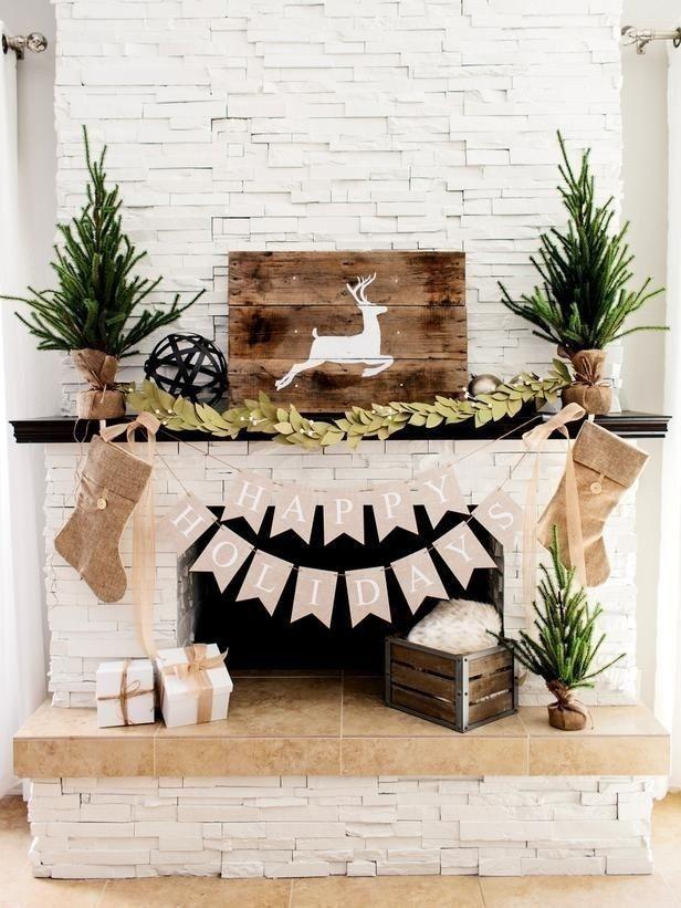 Stunning Fireplace Mantel Decor For Christmas Ideas 23