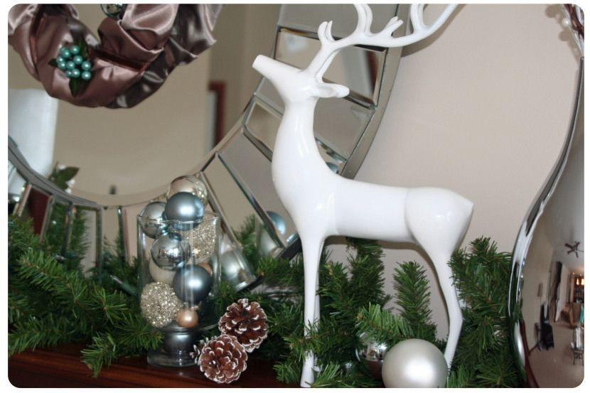 Stunning Fireplace Mantel Decor For Christmas Ideas 24