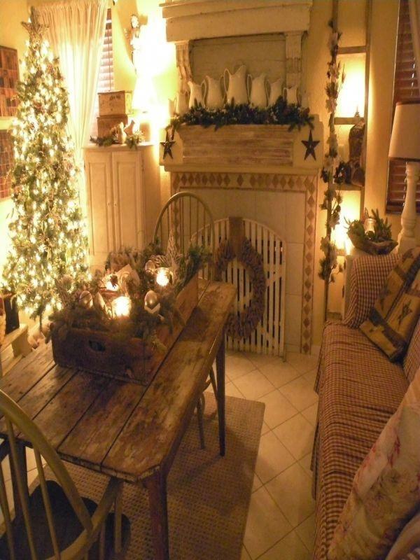 Stunning Fireplace Mantel Decor For Christmas Ideas 32