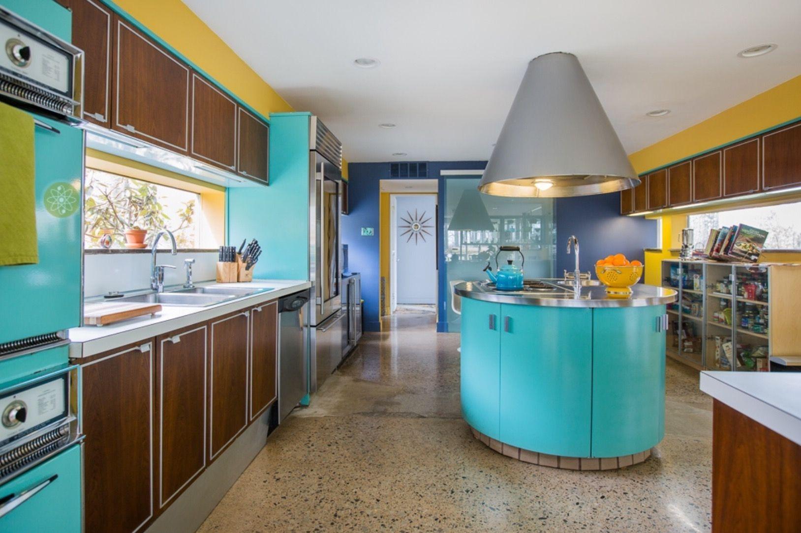 Attractive Mid Century Kitchen Designs Ideas17