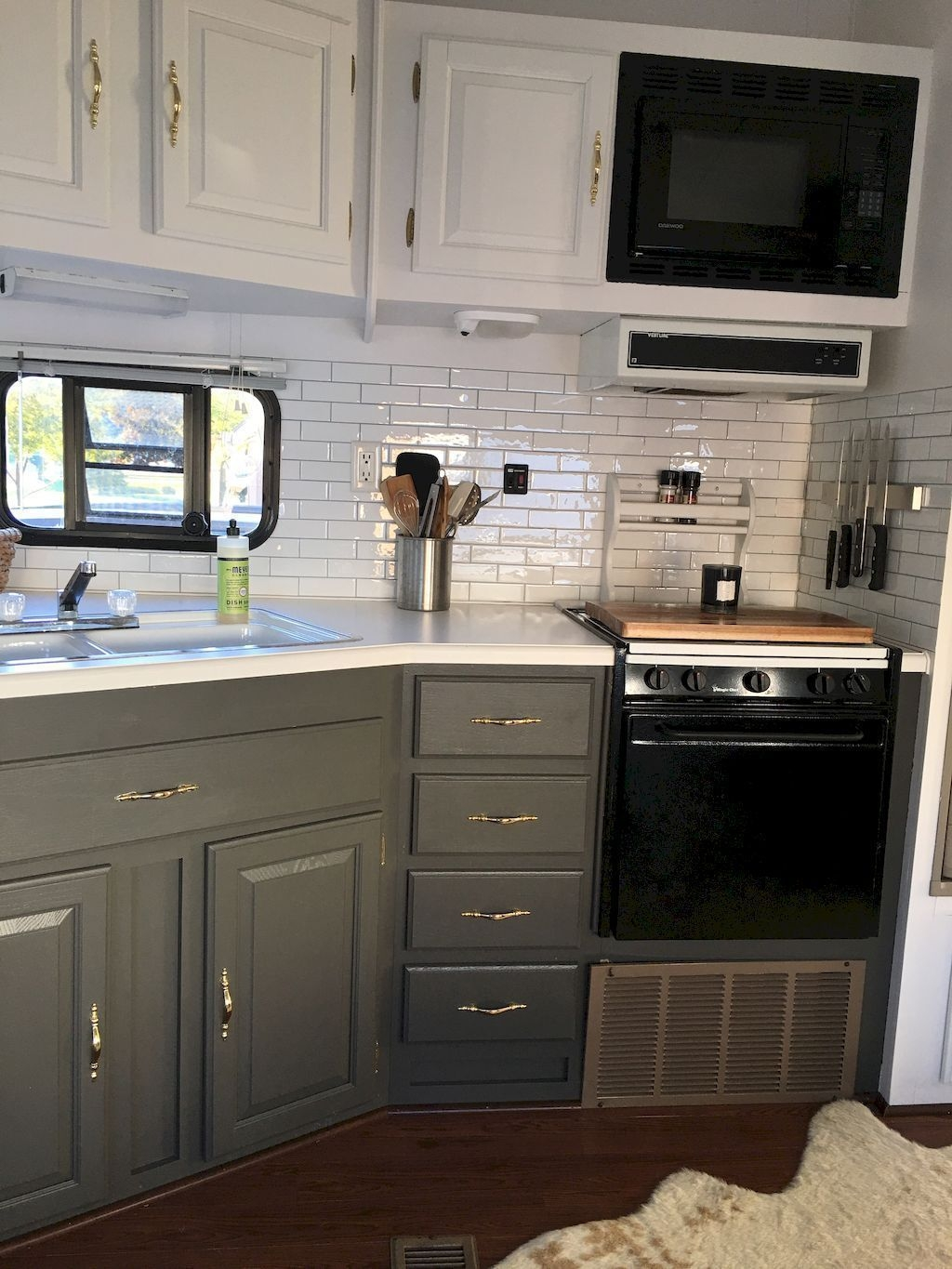 Attractive Rv Hacks Remodel Ideas For Your Inspirations16