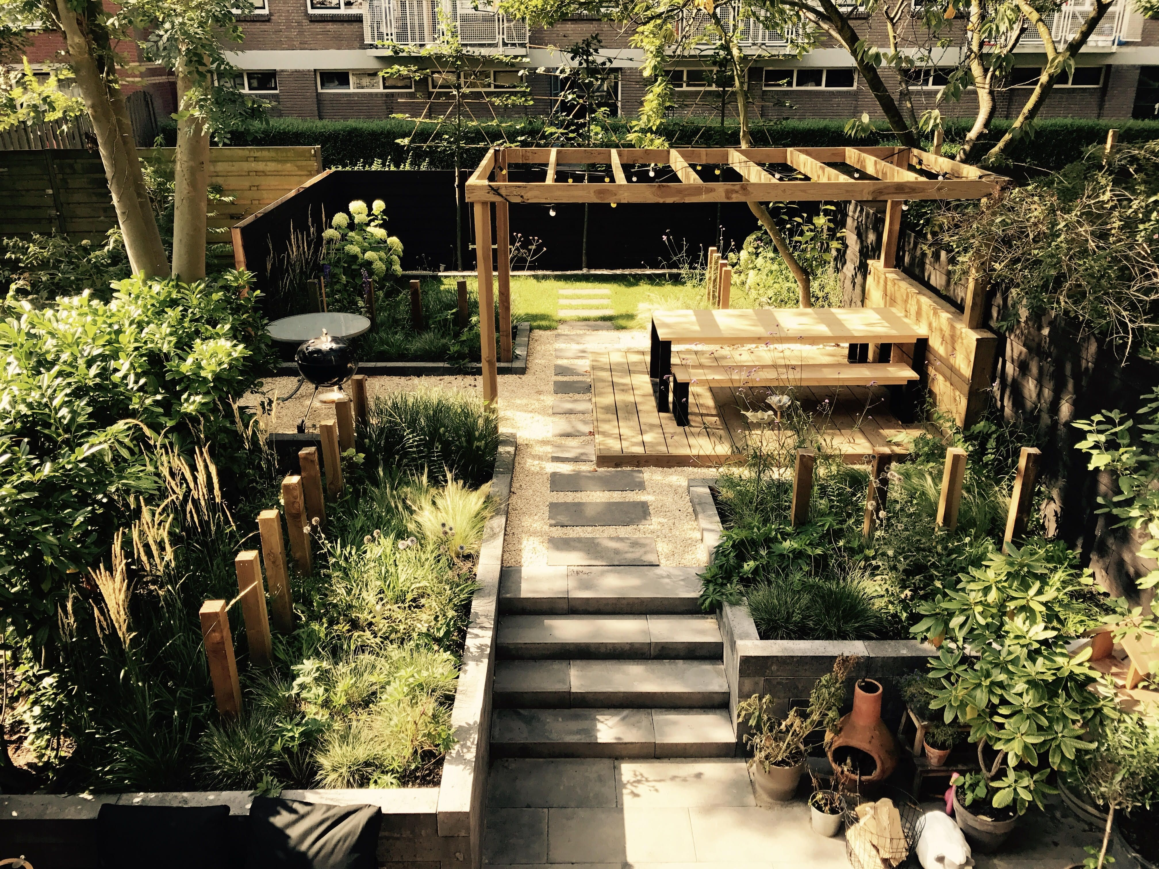 Awesome Small Space Gardening Design Ideas04