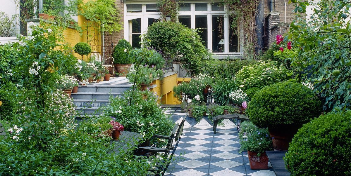 Awesome Small Space Gardening Design Ideas08