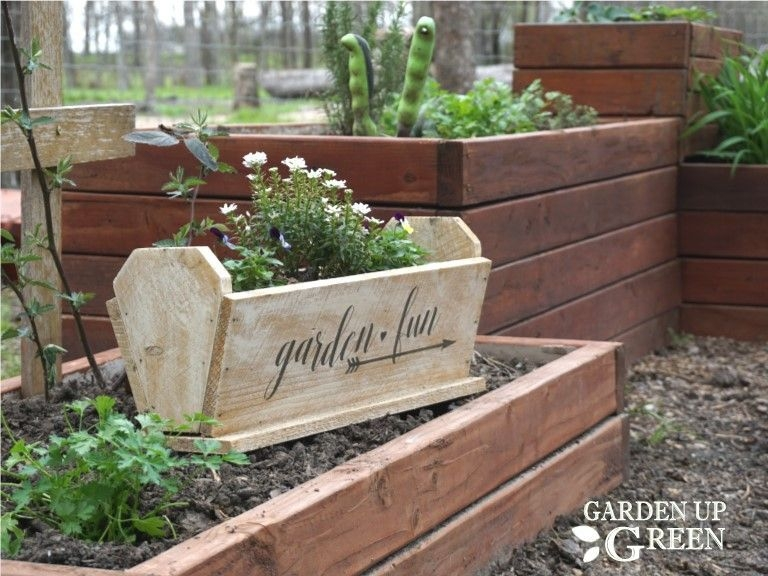 Awesome Small Space Gardening Design Ideas19
