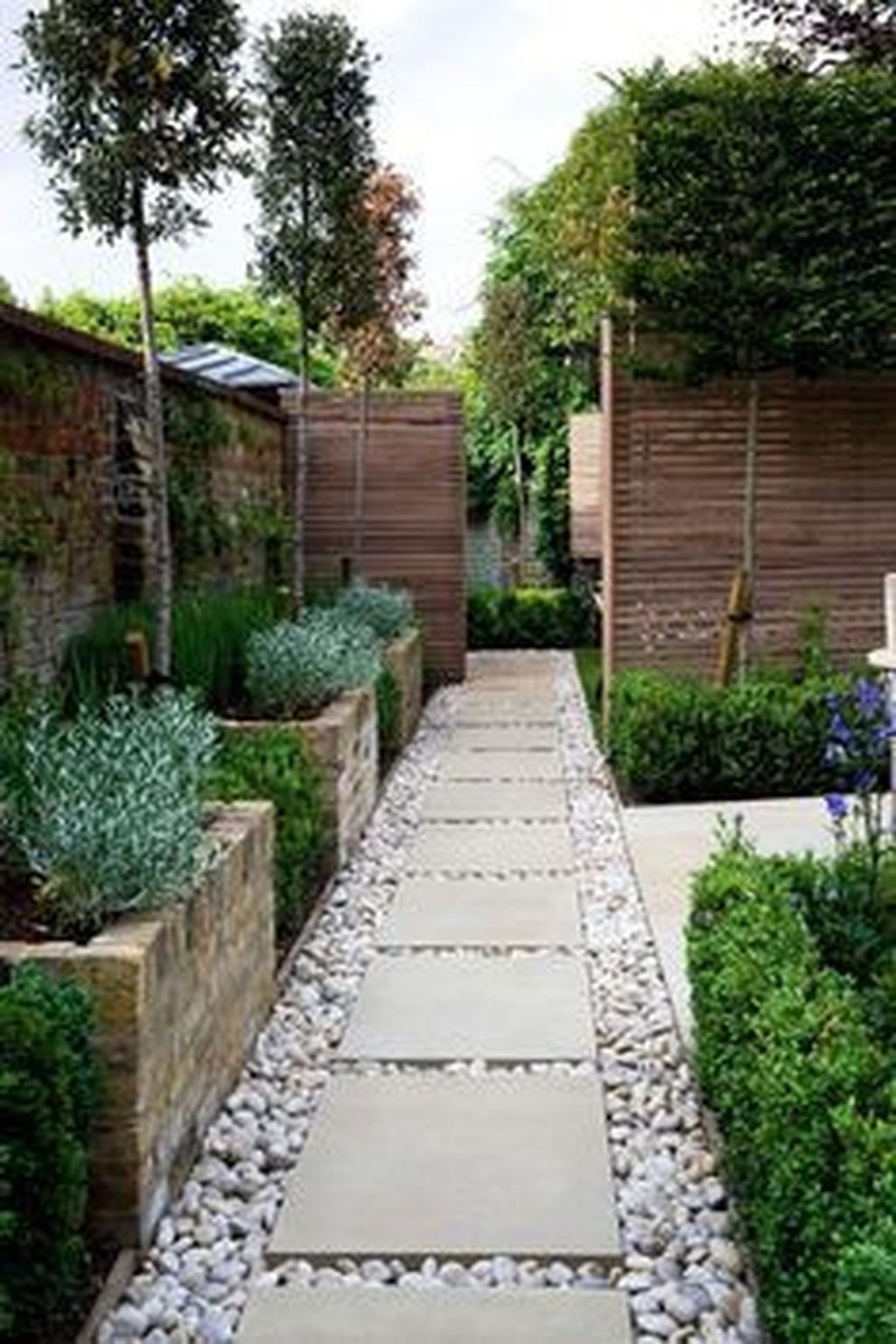 Awesome Small Space Gardening Design Ideas30