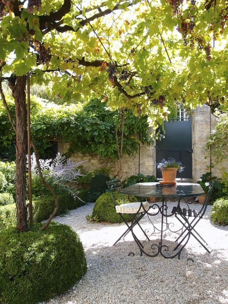 Awesome Small Space Gardening Design Ideas37