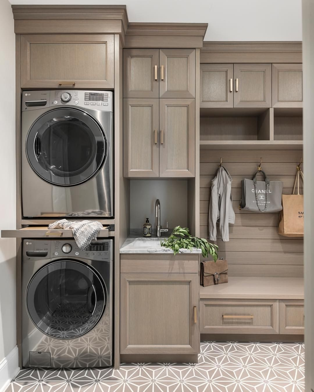 Best Small Laundry Room Design Ideas42