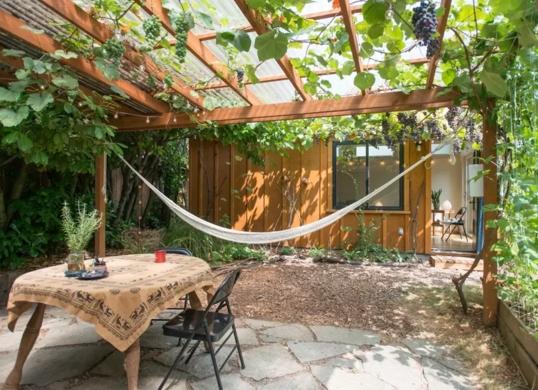 Creative Backyard Hammock Design Ideas31