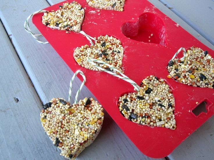 Inspiring Diy Outdoor Decorations Ideas For Valentine'S Day02