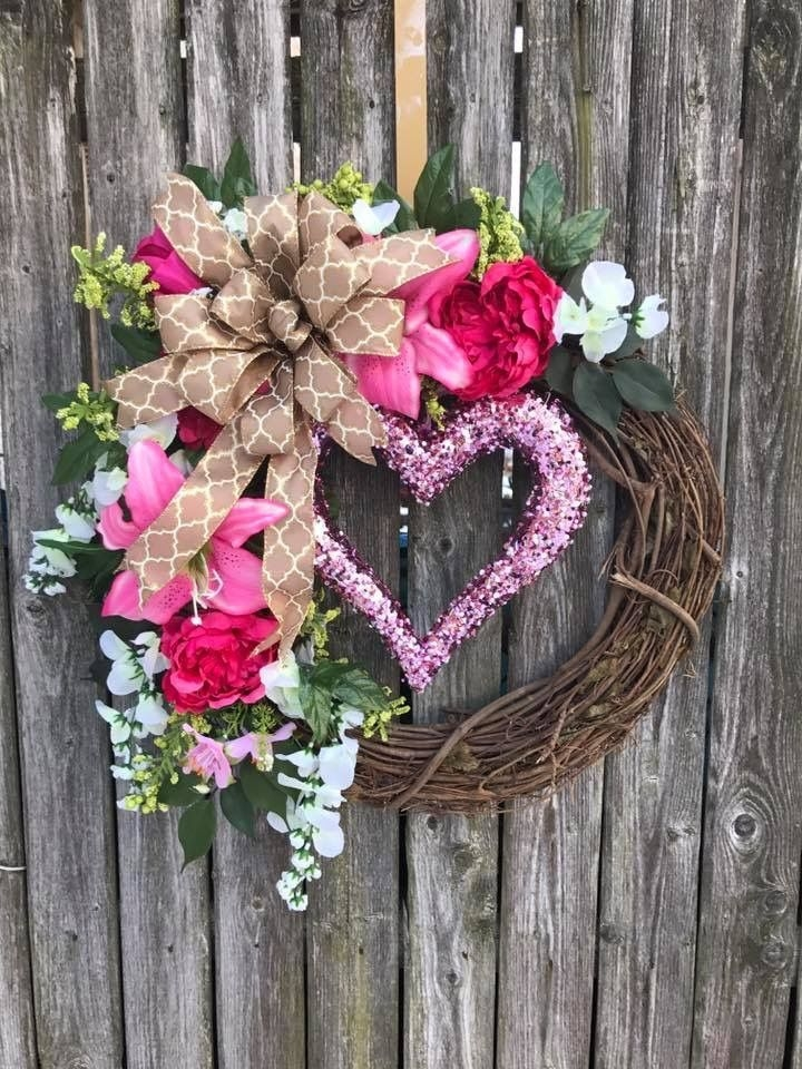 Inspiring Diy Outdoor Decorations Ideas For Valentine'S Day04