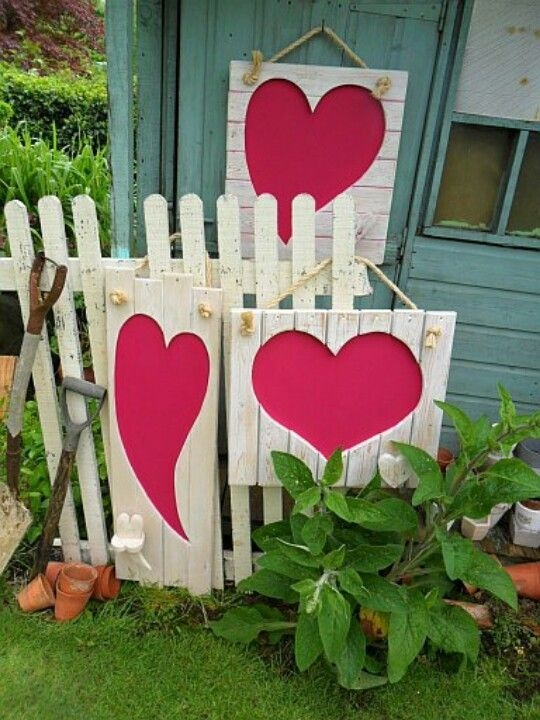 Inspiring Diy Outdoor Decorations Ideas For Valentine'S Day05