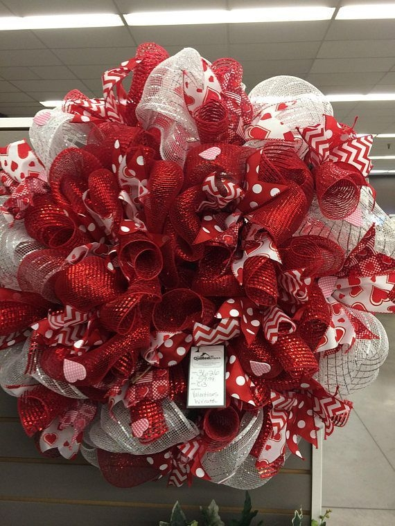Inspiring Diy Outdoor Decorations Ideas For Valentine'S Day10