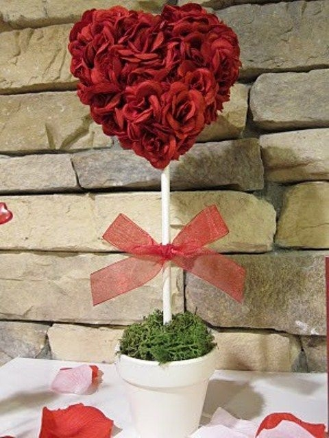Inspiring Diy Outdoor Decorations Ideas For Valentine'S Day33