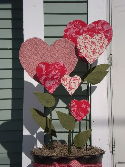Inspiring Diy Outdoor Decorations Ideas For Valentine'S Day48