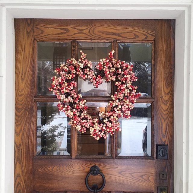 Inspiring Exterior Decoration Ideas For Valentines Day21