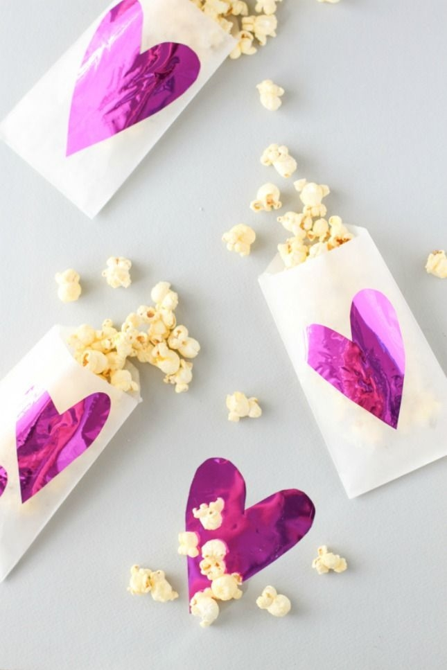 Inspiring Exterior Decoration Ideas For Valentines Day23