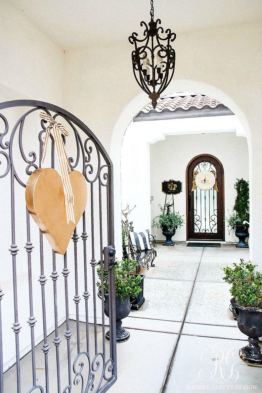 Inspiring Exterior Decoration Ideas For Valentines Day29