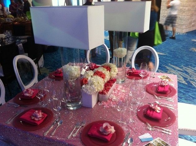 Magnificient Valentines Day Table Decorating Ideas11