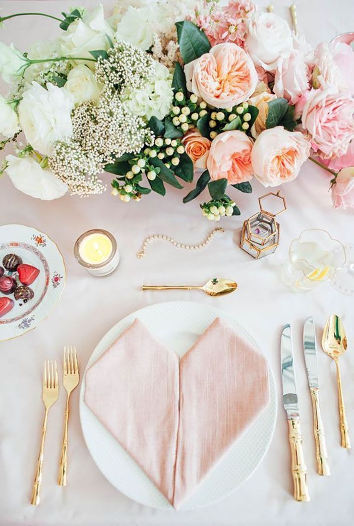 Magnificient Valentines Day Table Decorating Ideas20