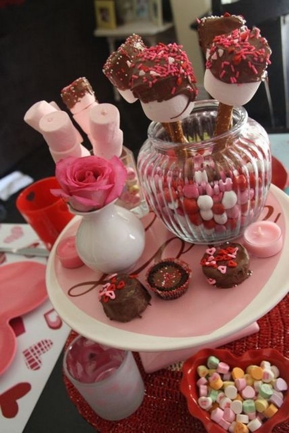Magnificient Valentines Day Table Decorating Ideas29