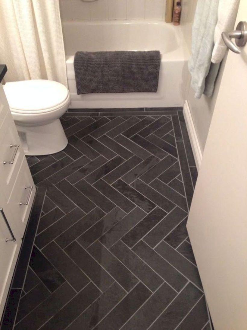 Minimalist Master Bathroom Remodel Ideas25