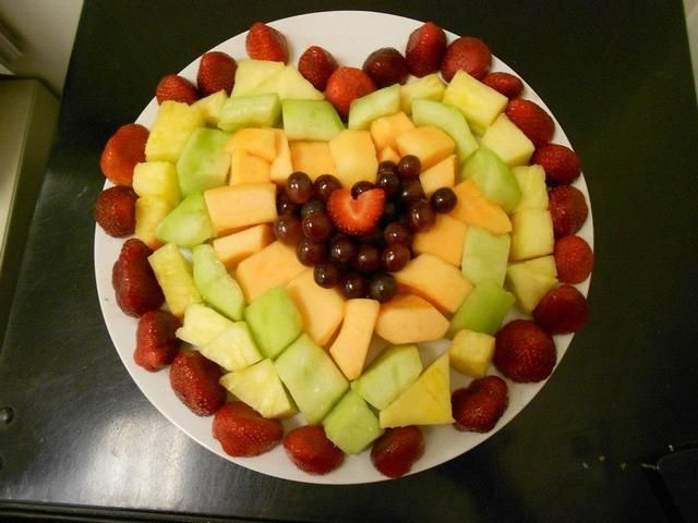 Popular Fruit Decoration Ideas For Valentines Day 02