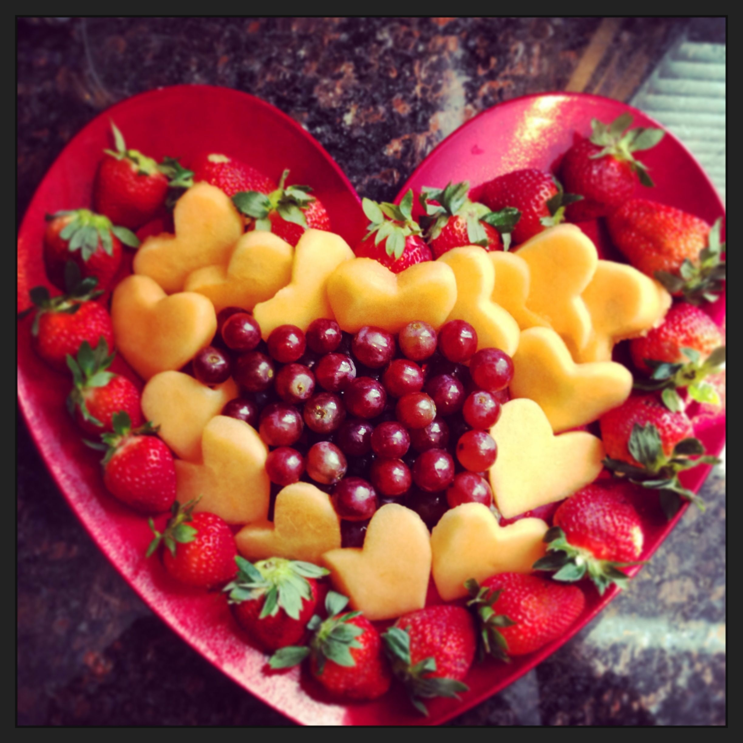 Popular Fruit Decoration Ideas For Valentines Day 21
