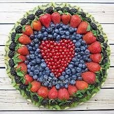 Popular Fruit Decoration Ideas For Valentines Day 39