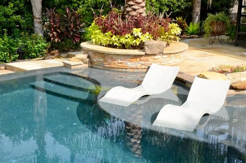Amazing Glass Pool Design Ideas For Home14