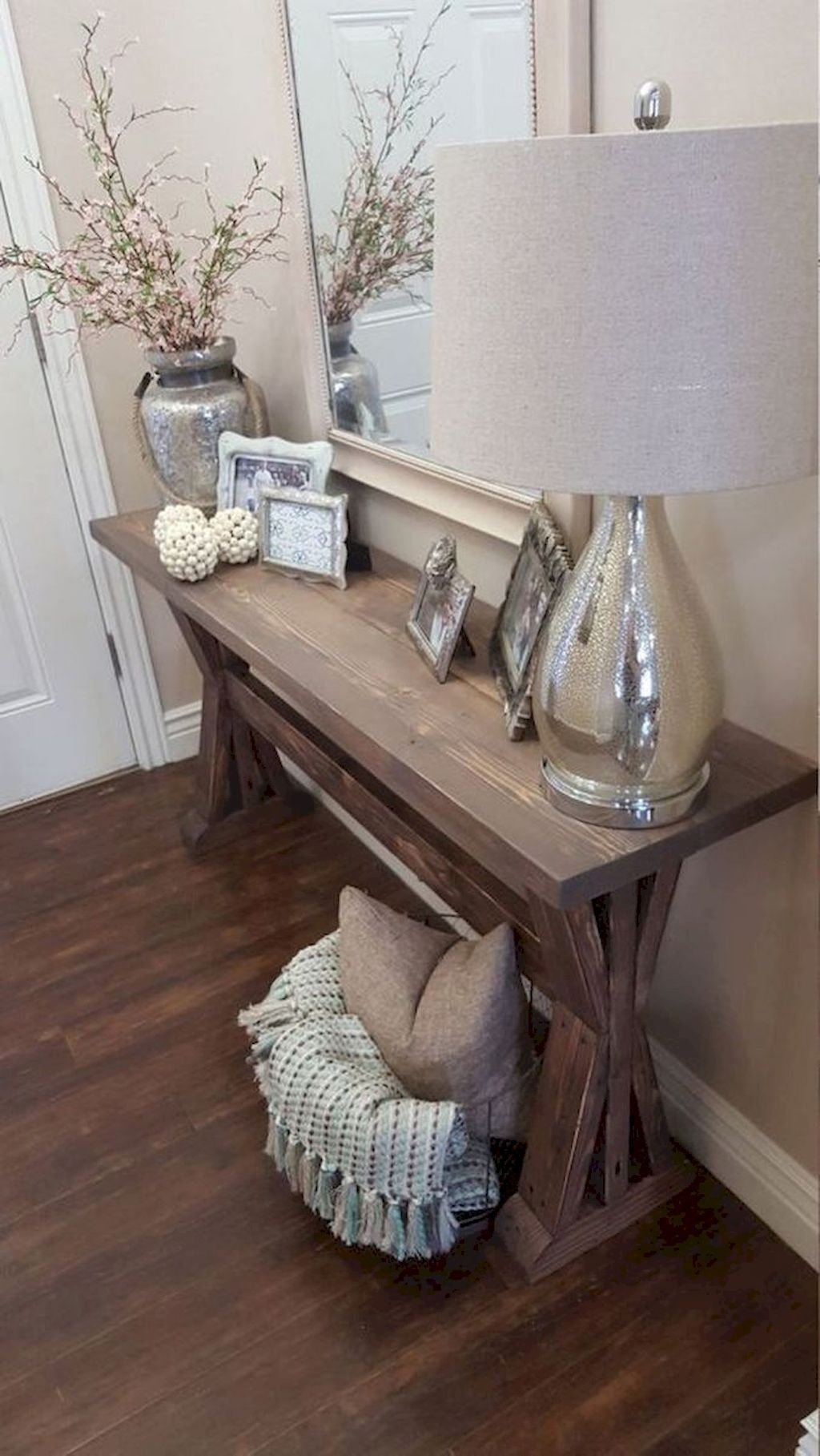 Beautiful Rustic Entryway Decor Ideas05