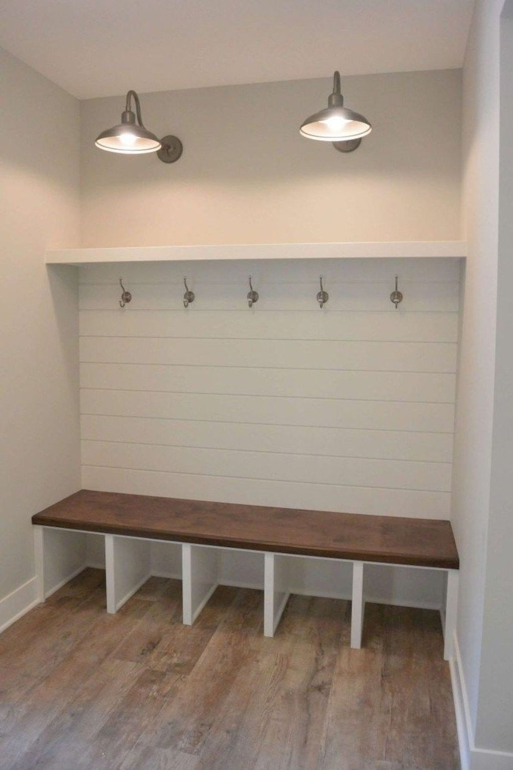 Beautiful Rustic Entryway Decor Ideas17