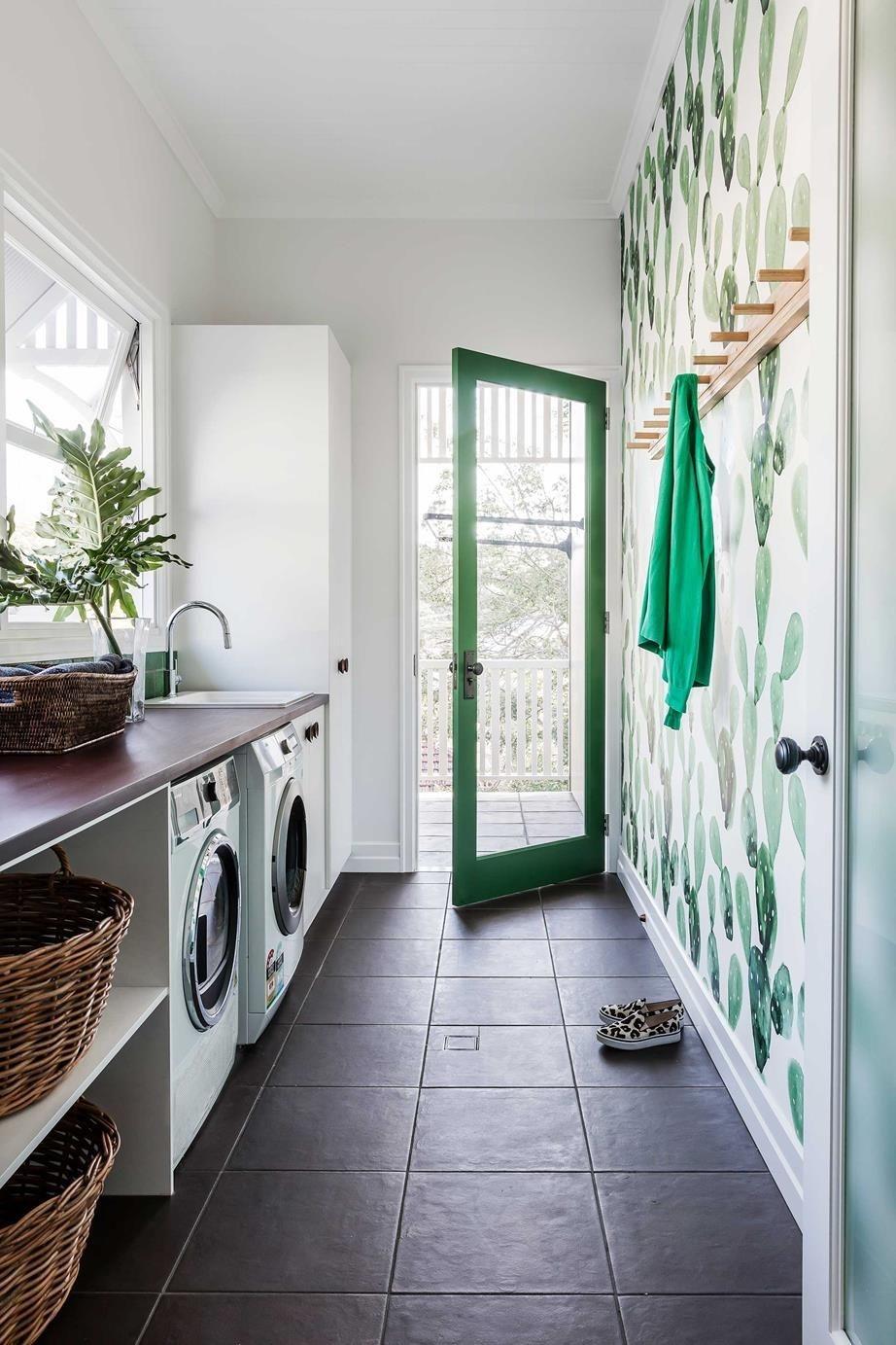 Brilliant Small Laundry Room Decor Ideas22