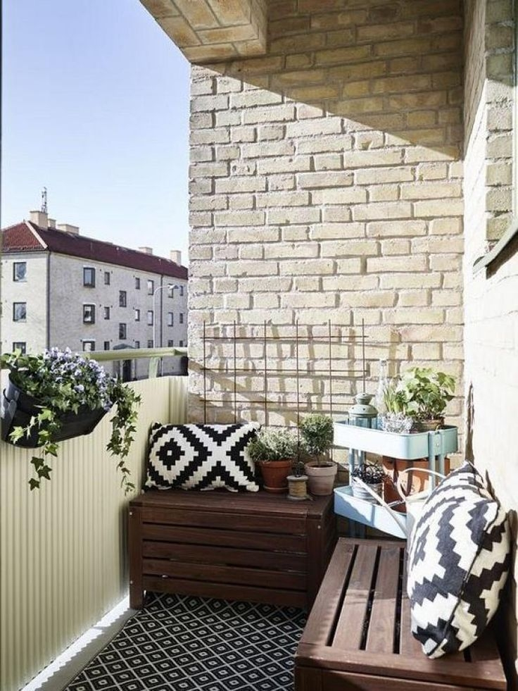 Enchanting Apartment Balcony Decorating Ideas16
