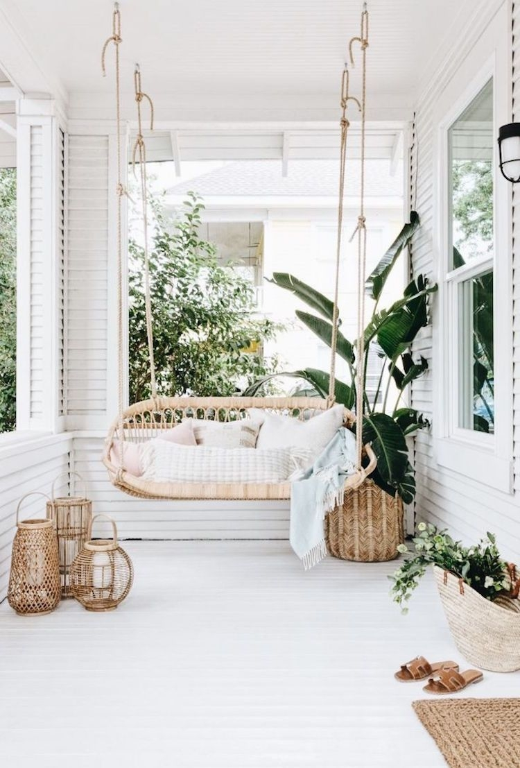 Enchanting Apartment Balcony Decorating Ideas21