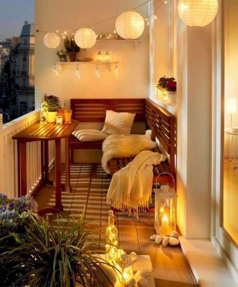 Enchanting Apartment Balcony Decorating Ideas29