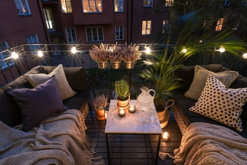 Enchanting Apartment Balcony Decorating Ideas32