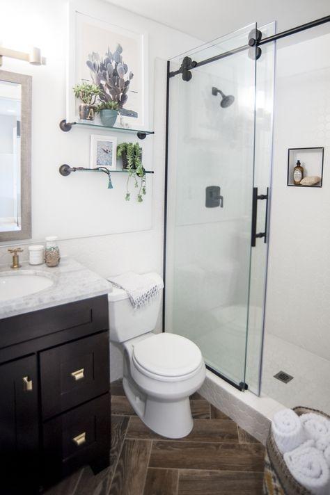 Incredible Small Bathroom Remodel Ideas11