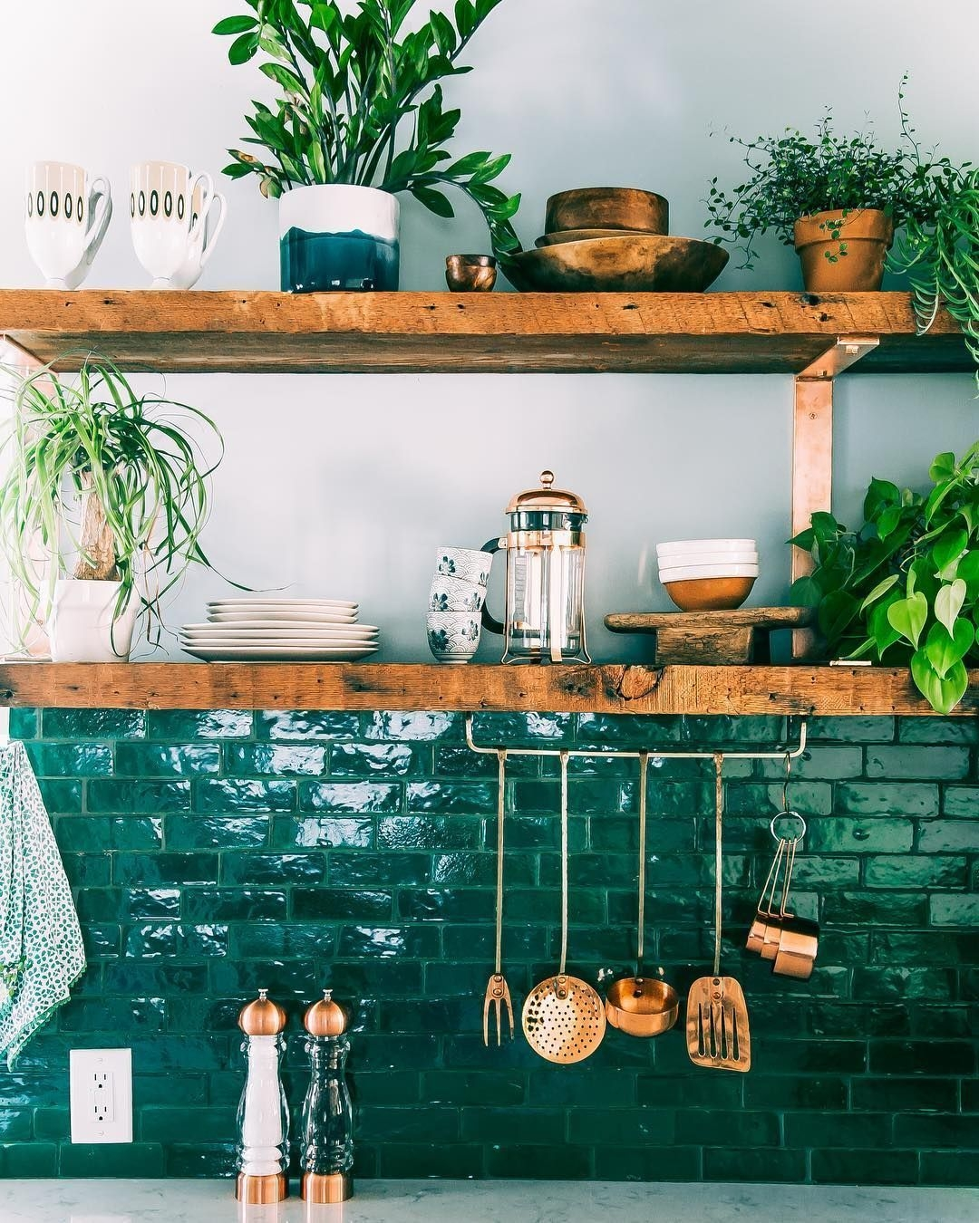 Latest Kitchen Backsplash Tile Ideas15