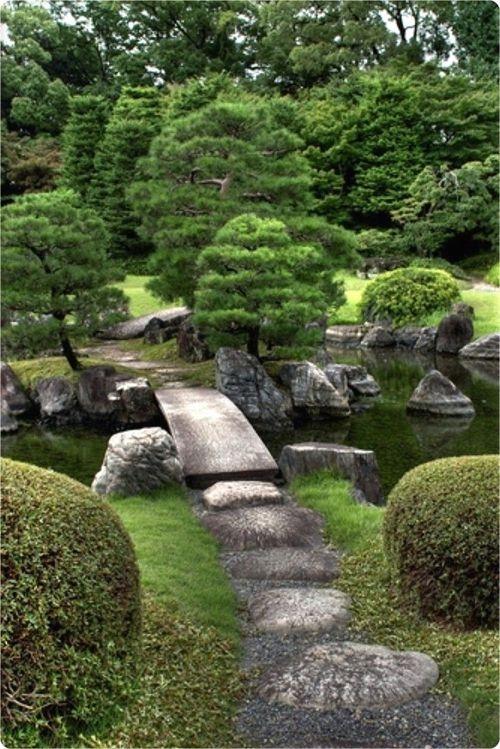Minimalist Japanese Garden Ideas35