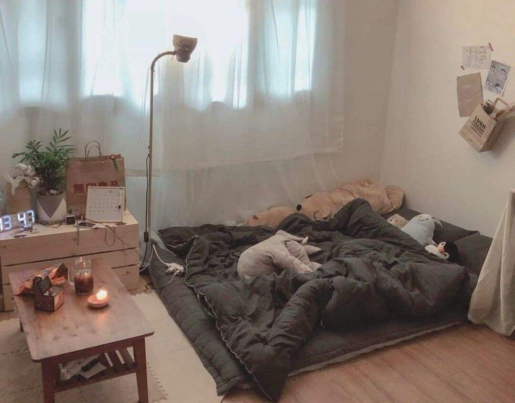 Simple Bedroom Designs Ideas12