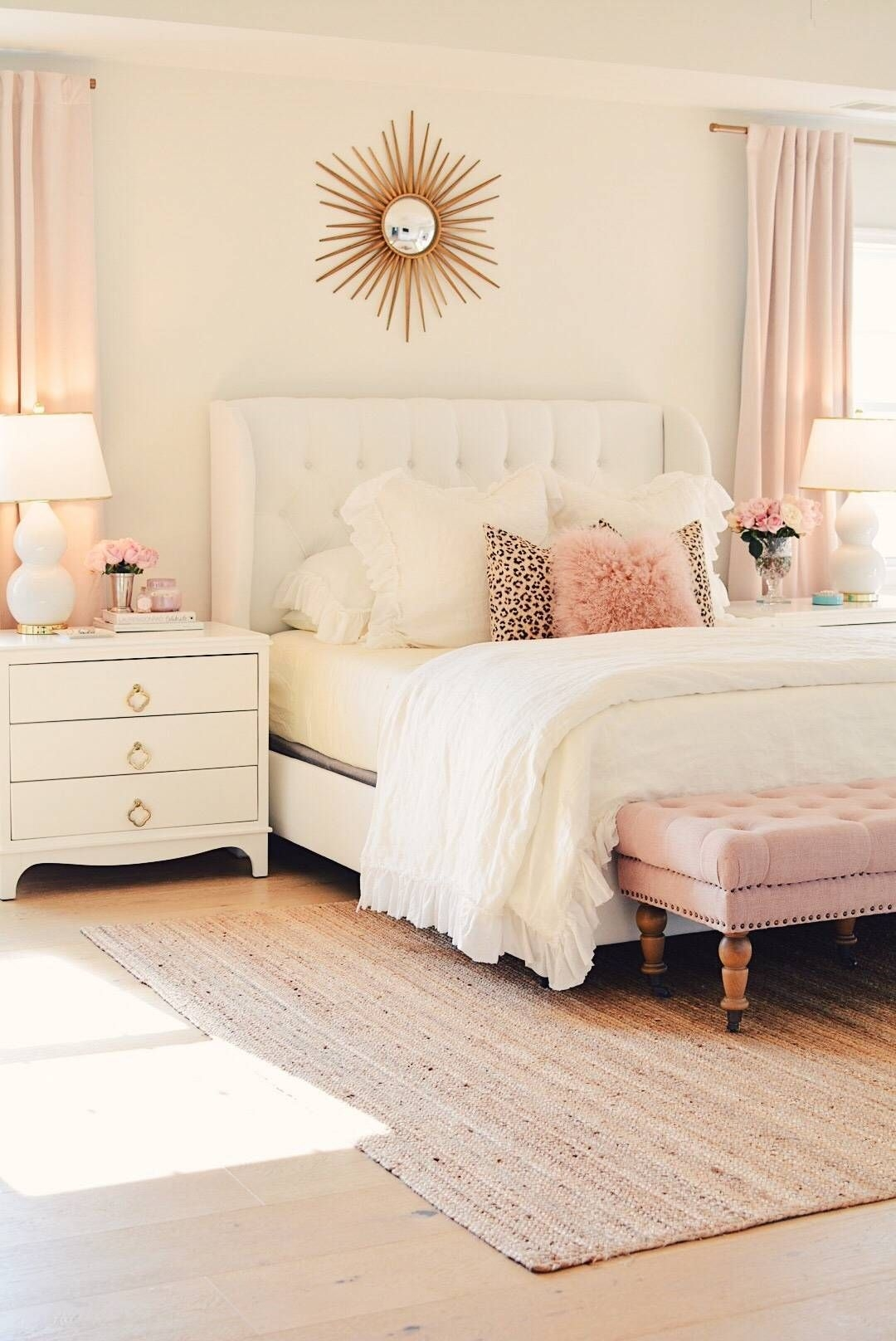 Simple Bedroom Designs Ideas18