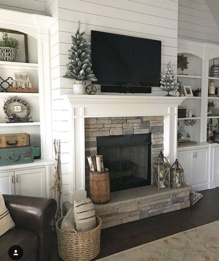 Smart Farmhouse Living Room Design Ideas18