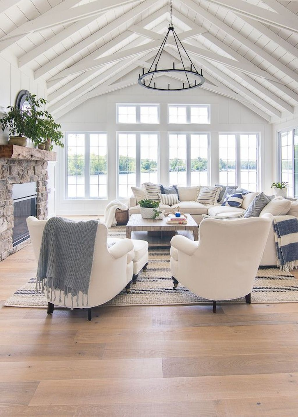 Smart Farmhouse Living Room Design Ideas24