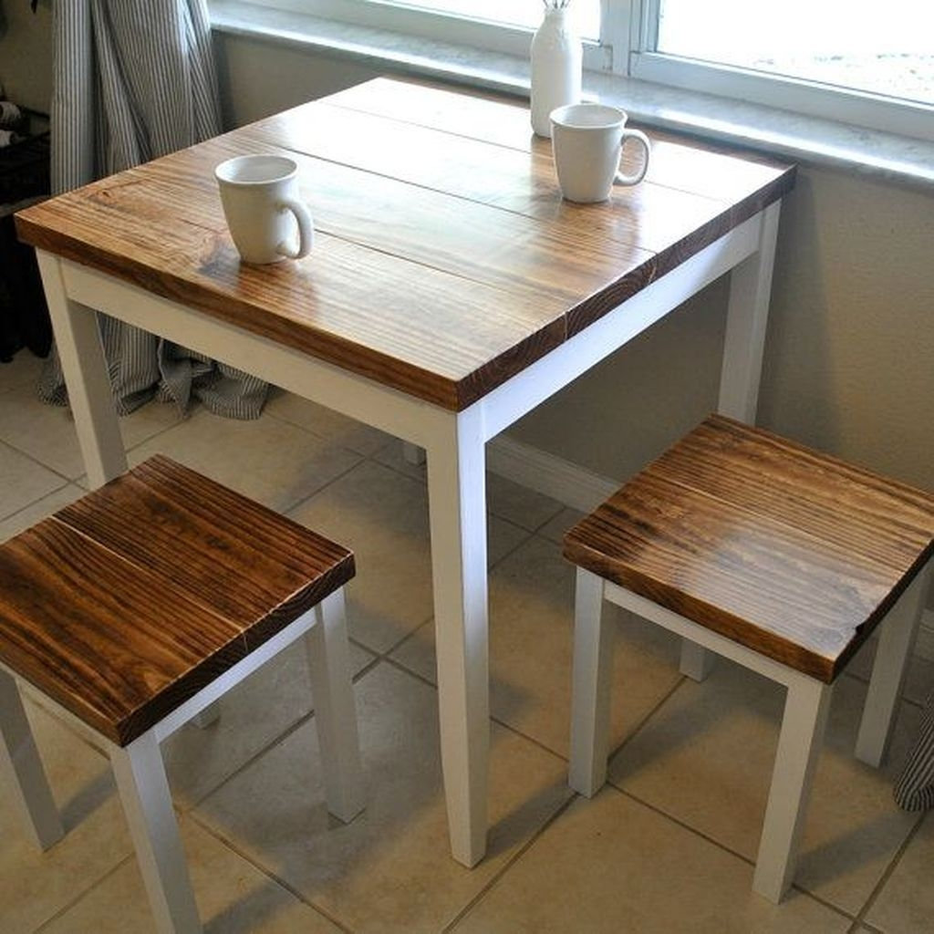 Stunning Small Dining Room Table Ideas06